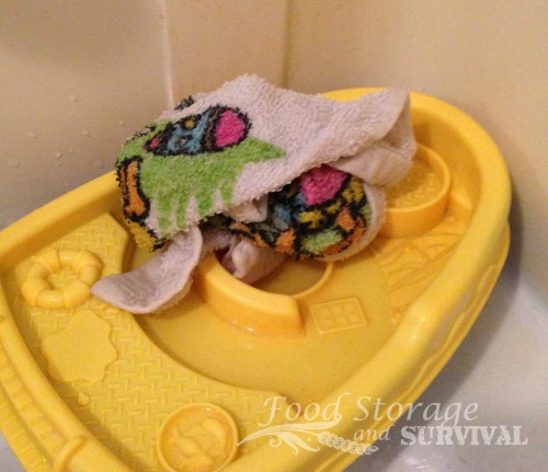 how to get the smell out of moldy towels